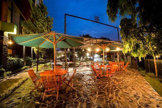 Wisma MMUGM Hotel Yogyakarta - Terrace/Patio