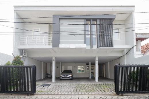 Airy Darmo Kanwa 18 Surabaya - Property Building