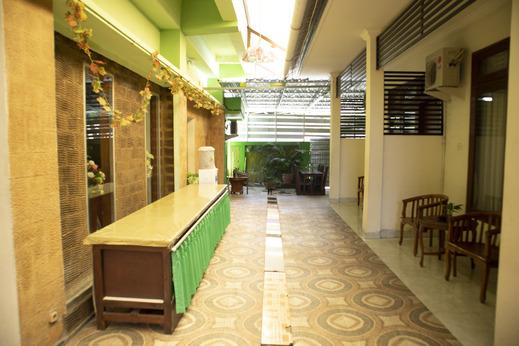 OYO 1682 Greenia Hotel Kupang - Common Area