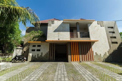 Airy Denpasar Timur Ciung Wanara II Bali - Hotel Front
