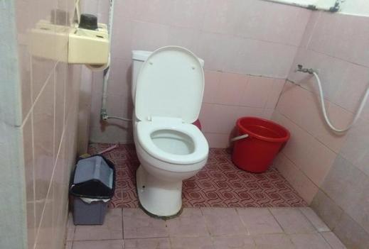 Ayomi Homestay Yogyakarta - Bathroom