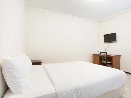 Dukuh Kupang Residence Surabaya - BEDROOM