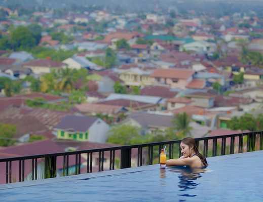 Grand Central Hotel Pekanbaru - Outdoor Pool