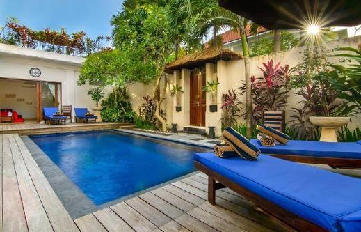 Villa Alleira Bali - Kolam Renang