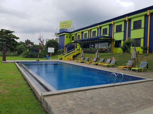 PrimeBiz Karawang Karawang - Outdoor Pool
