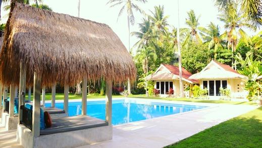 The 48 Resort Candidasa Bali - Pemandangan Kolam