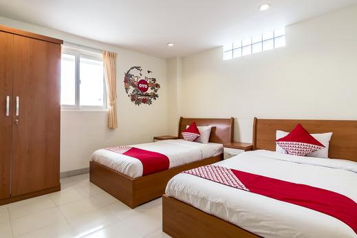 OYO 294 Andrea Residence Syariah Medan - Bedroom DT