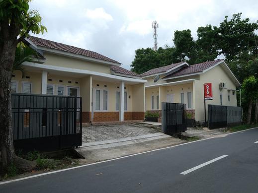 OYO 2551 Dewi Residence 2 Pangkalpinang - Facade