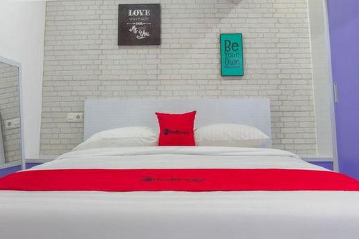 RedDoorz Apartment @ Jarrdin Cihampelas Bandung - Guestroom