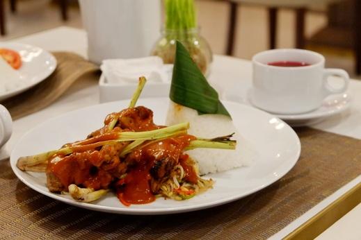 Grand Senyum Hotel Tugu Yogyakarta Yogyakarta - Meals