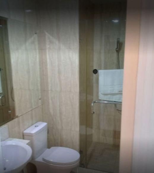 Apartemen Green Park View Jakarta - Bathroom
