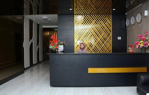 D'Hotel Holiday Makassar Makassar - Reception