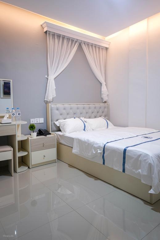 Lee's Hotel Batam - Bedroom