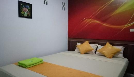 Hotel Warna Palopo Palopo - Bedroom