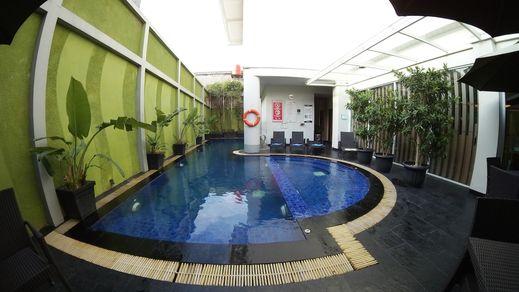 Grand Tjokro Yogyakarta - Outdoor Pool