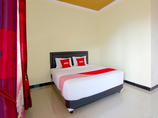 OYO 2162 Pondok Wisata Sri Widodo Karanganyar - Bedroom