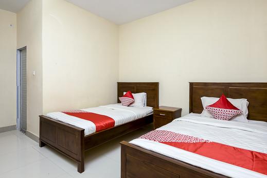 OYO 1488 Prima Hotel Danau Toba - Bathroom DT