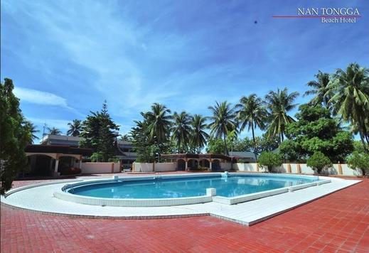 Nan Tongga Beach Hotel Pariaman - Pool