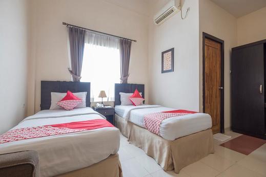 OYO 424 Asia Hotel  Makassar - Guestroom