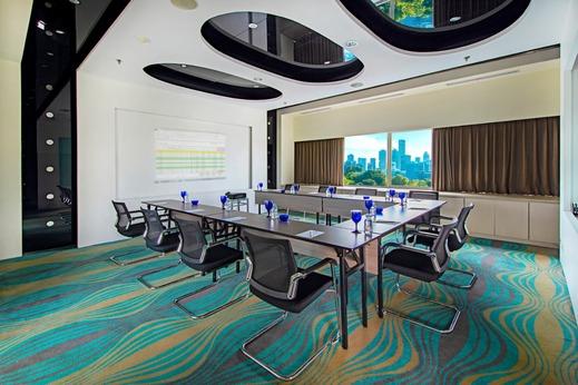 Blue Sky  Petamburan - Orion Meeting Room