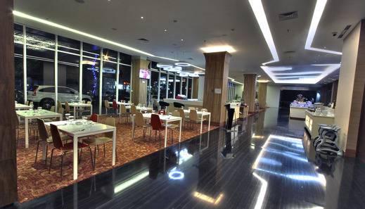 Nexa Hotel Bandung - Cyber Cafe