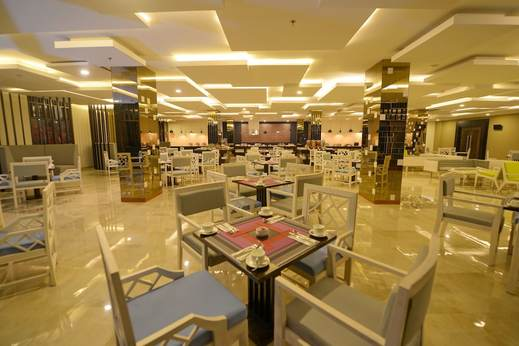Grand Tjokro Balikpapan - Breakfast Area