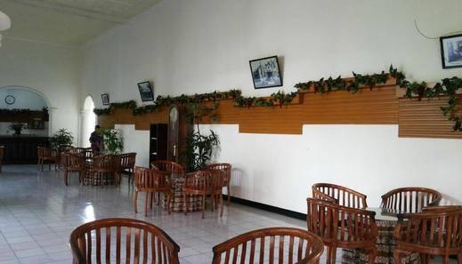 Palm Hotel Bondowoso - Lobi
