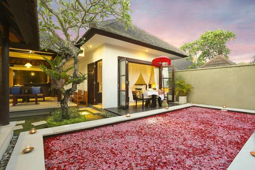The Bidadari Villas & Spa Bali - Romantic Candle Light Dinner