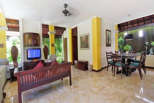 Royal Tunjung Bali Villa Legian - Ruang tamu