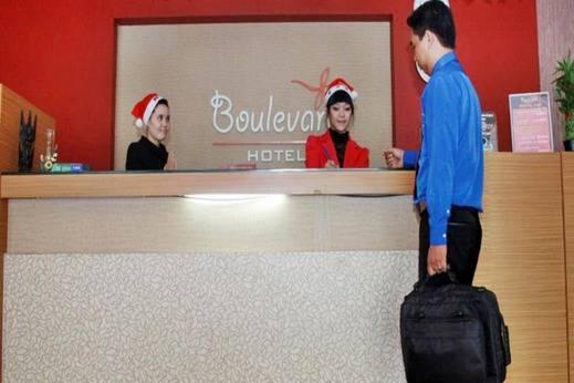 Hotel Boulevard Makassar - Resepsionis