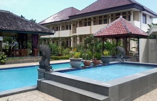 Taman Teratai Hotel Puncak - Kolam Renang