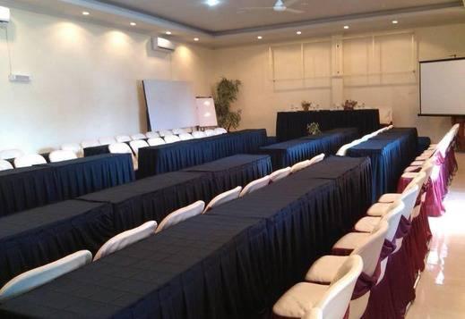 Sinar Pelaihari Hotel Tanah Laut - Kamar Conference