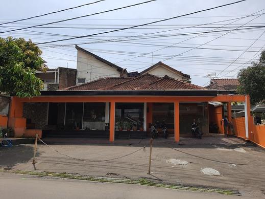 OYO 3341 Ten Guest House Near Hermina Pasteur Hospital Bandung - Facade