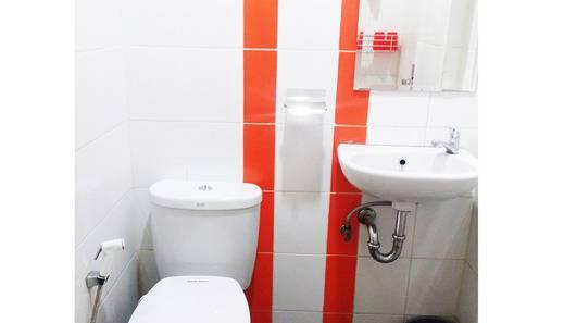 Wow Hotel Jakarta - Bathroom