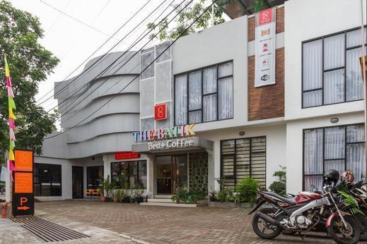 RedDoorz Premium @ The Batik Hotel Moh. Toha Bandung - Exterior
