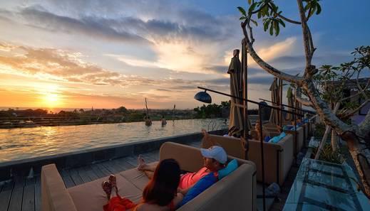 Golden Tulip Devins Hotel Seminyak - Sunset Session