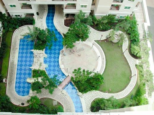 Jakarta Private Apartment at City Home - MOI Jakarta - Swimming Pool - view