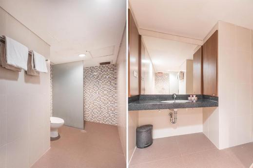 Sleepzzz Hotel Senayan Jakarta - Bathroom