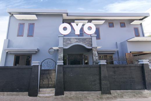 OYO 1073 Pogung W1 Exclusive Yogyakarta - Facade