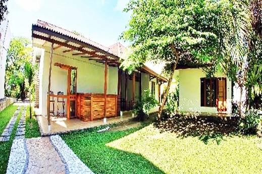 Diniya Suasso Hotel Padang - Eksterior