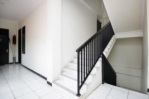 Airy Eco Syariah Gunung Cermai 11 Samarinda - Stairs