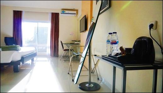 Jhoanie Hotel Tomohon - interior