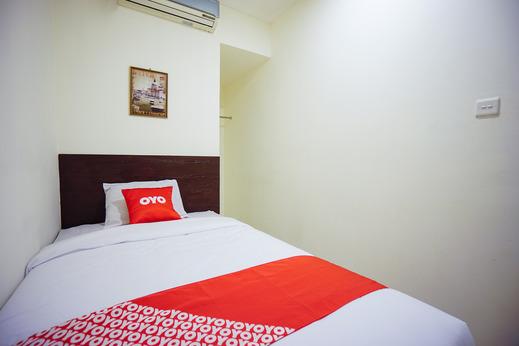 OYO 1838 COZY Home Manado - Bedroom