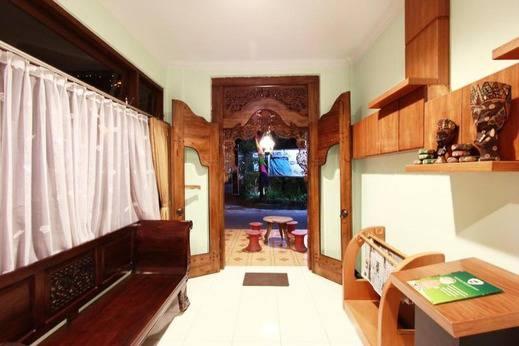 NIDA Rooms Parangtritis Gang Sartono Jogja - Pemandangan Area