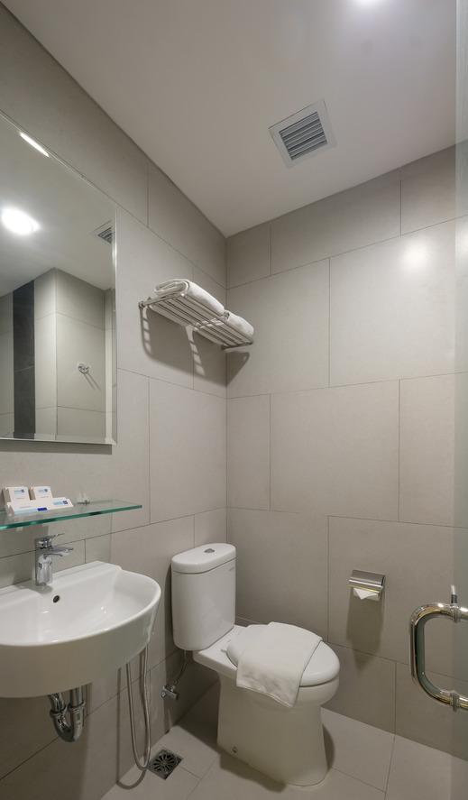 Hotel 88 Blok M Jakarta - Bathroom