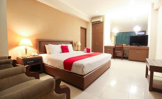RedDoorz Premium @ Slamet Riyadi 2 Solo - Kamar Tamu