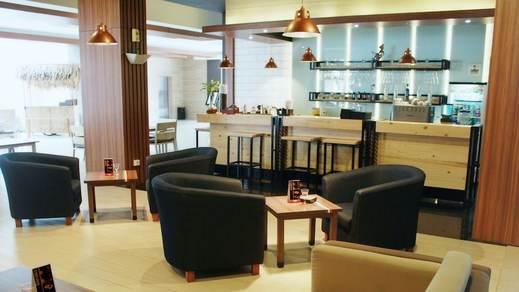 Crystal Lotus Hotel Yogyakarta - Bar