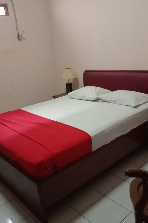 OYO 1751 Hotel Trihadhi Solo - Guestroom