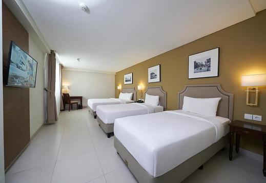 Kokoon Hotel Surabaya Surabaya - Family Triple bed