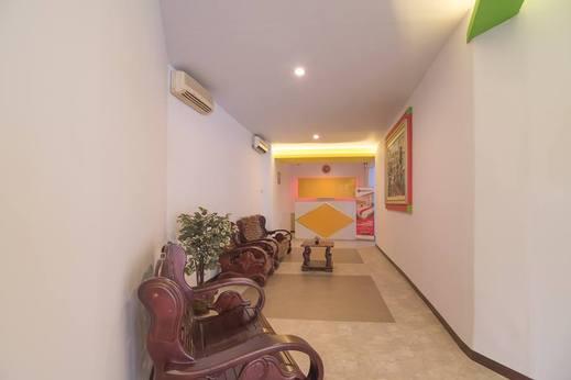 RedDoorz near ITC Mangga Dua Jakarta - Lobby